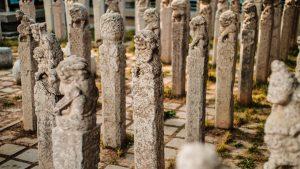 民间石材雕刻拴马桩群组雕刻