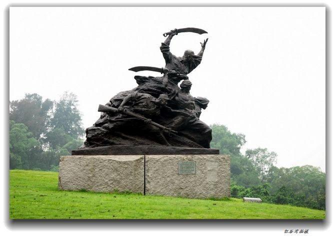 拿大刀的抗战人物铸铜群组雕塑