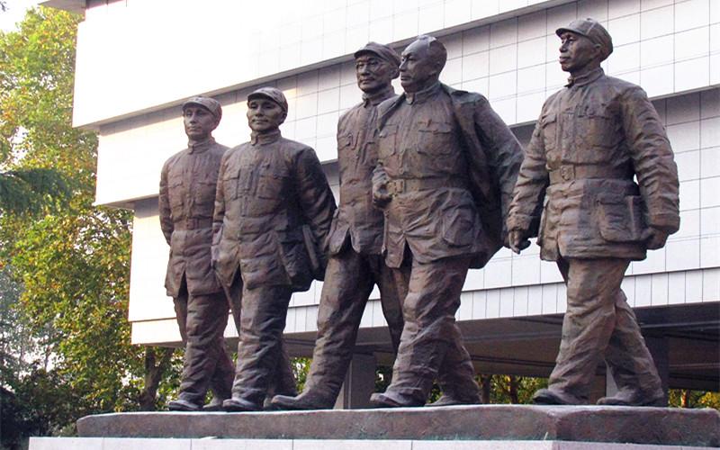 革命烈士铸铜人物群组雕塑