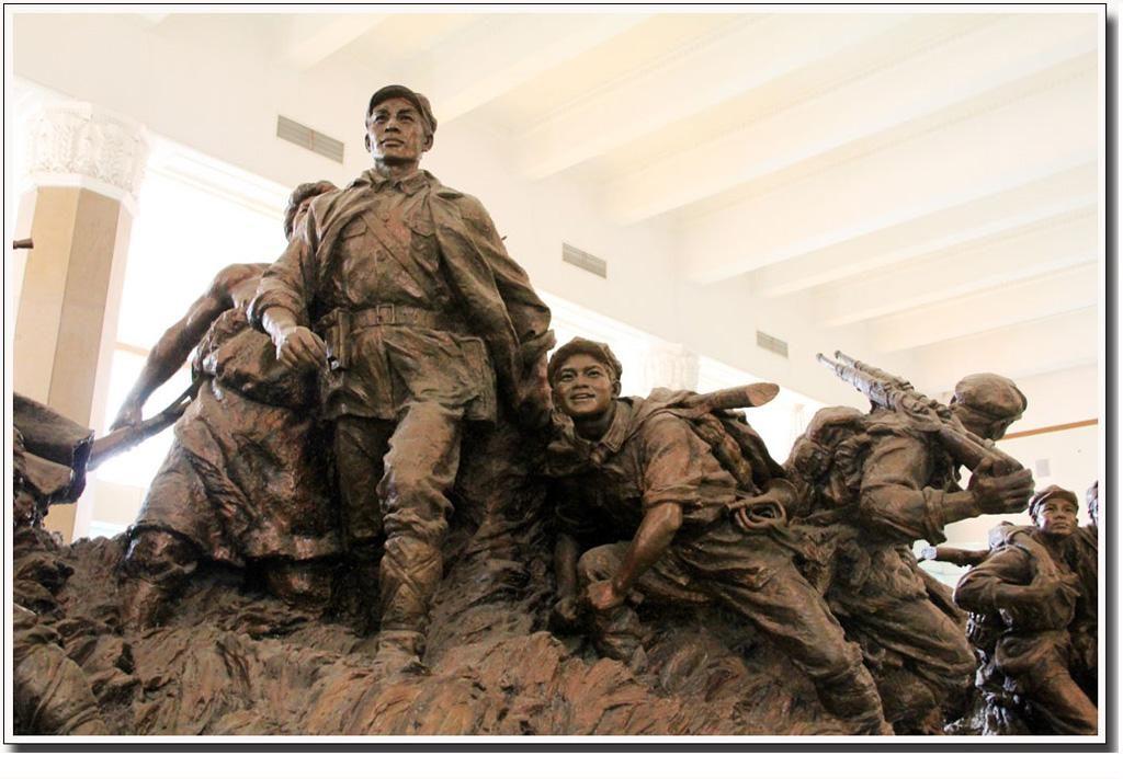 抗战铸铜人物群组政治雕塑