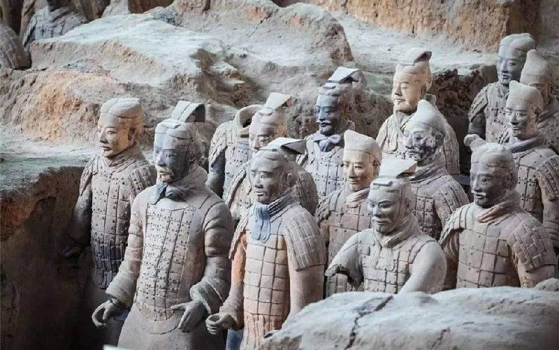 沧桑的秦朝人物雕塑兵马俑石雕