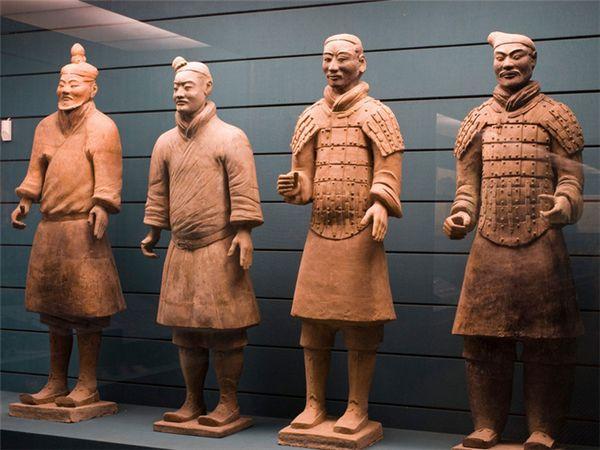 清朝人物雕塑兵马俑