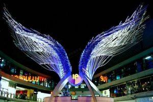 钢管组成的翅膀大型城市雕塑