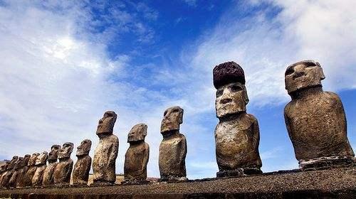 马约尔的《山岳》复活节石材雕塑