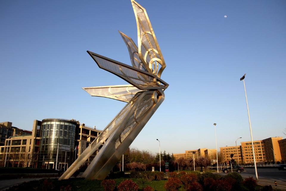 变形的翅膀不锈钢抽象艺术城市雕塑