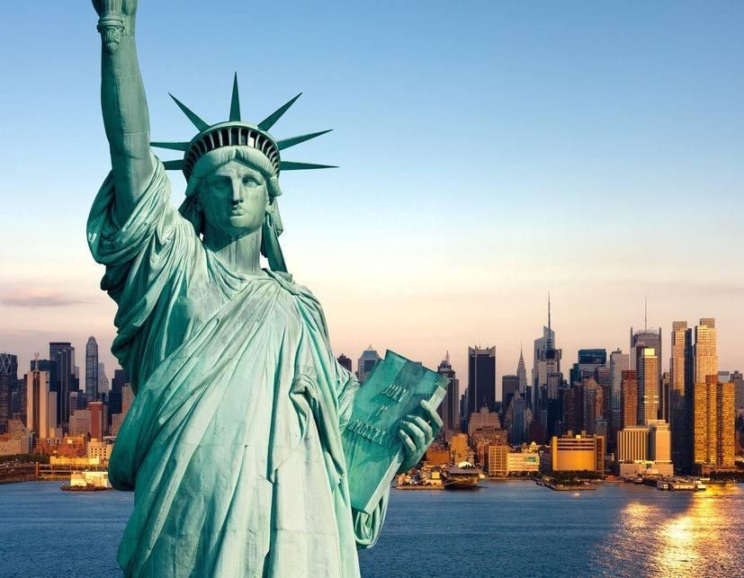 美国自由女神人物石材雕塑设计