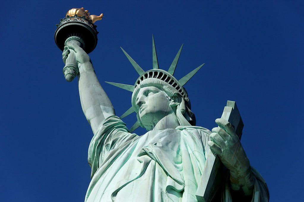 自由女神雕塑高清图