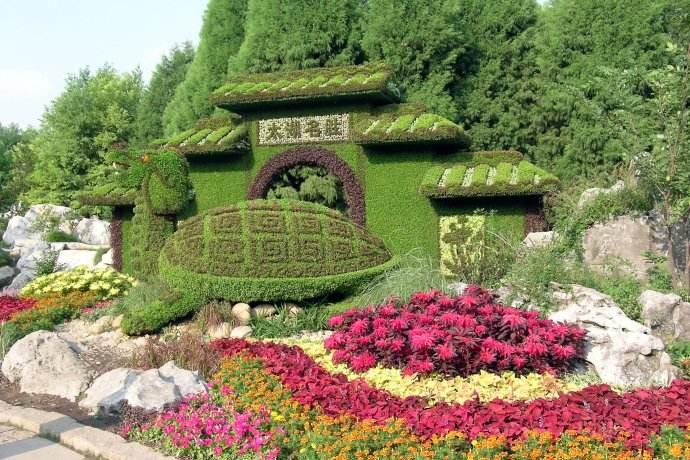 景观大门绿色植物雕塑