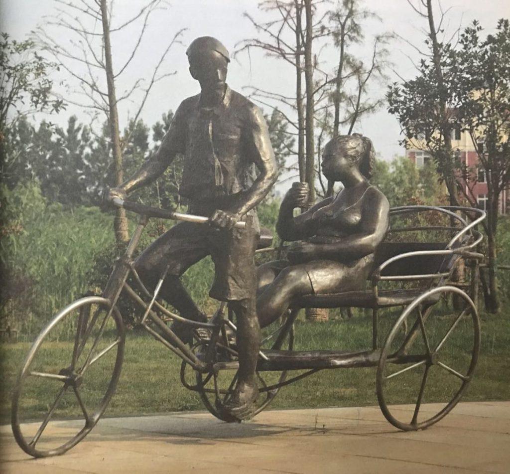 老芜湖黄包车铸铜人物城市景观雕塑