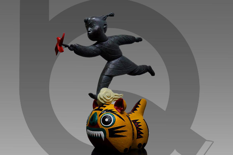 骑着布老虎拿着风车的卡通人物雕塑