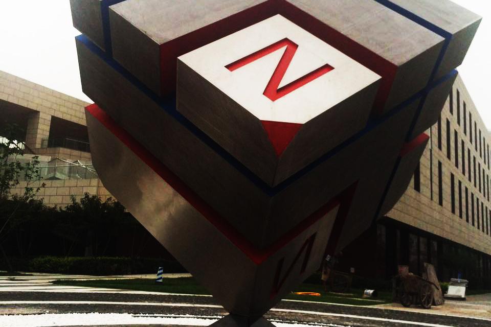 立方体不锈钢景观雕塑