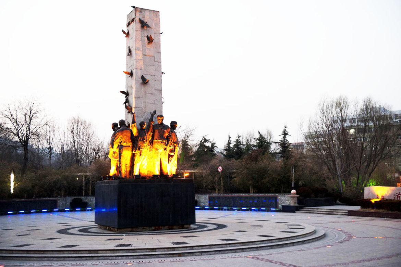 《胜利与友谊》大型铜像雕塑