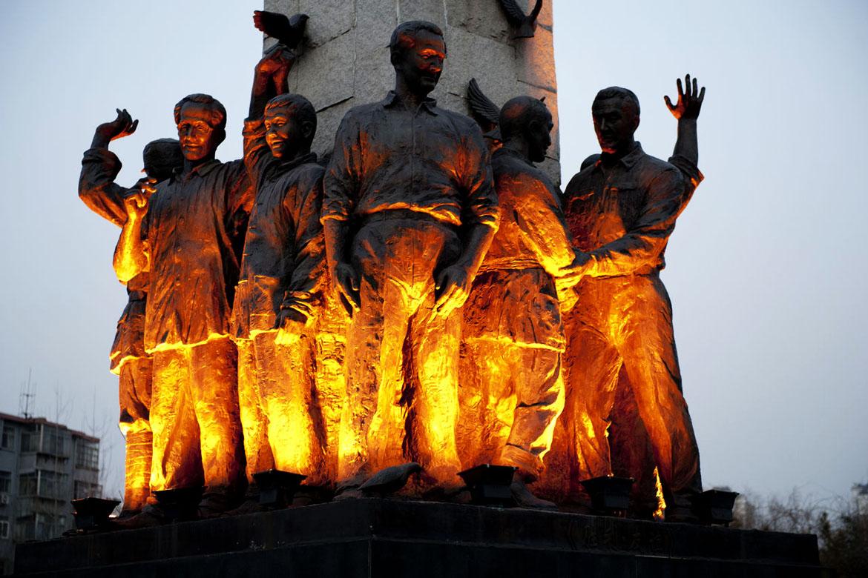 乐道院群组铜像雕塑加灯光