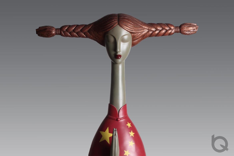 祝福祖国国旗旗袍东方女性树脂雕塑工艺品
