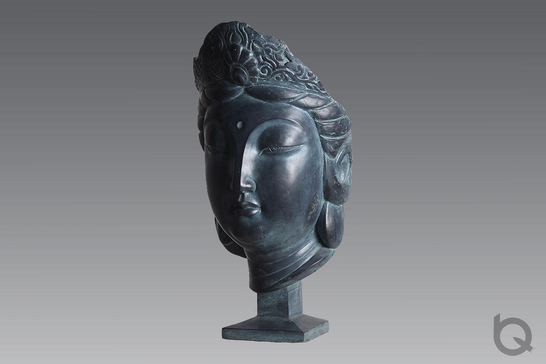 铸青铜观音佛像雕塑做为架上雕塑艺术片被众多机构收藏。