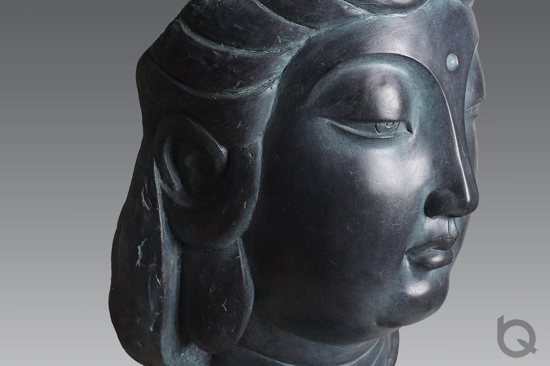 绿锈艺术处理观音佛像铸铜雕塑