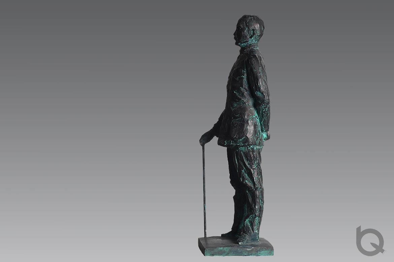 孙中山伟人雕塑铜像全身像侧面