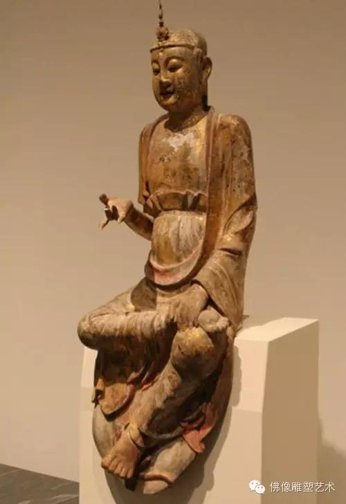 雕塑坐姿佛像图片