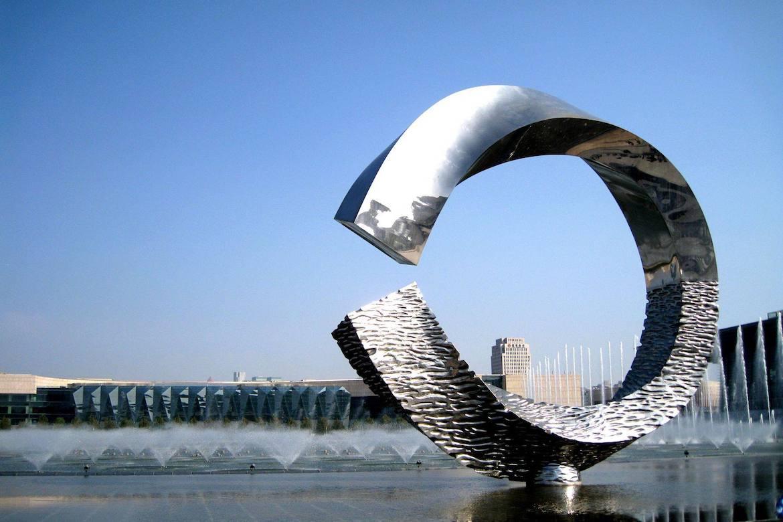 坐落天津的水上月不锈钢主题万博体育彩票官网app