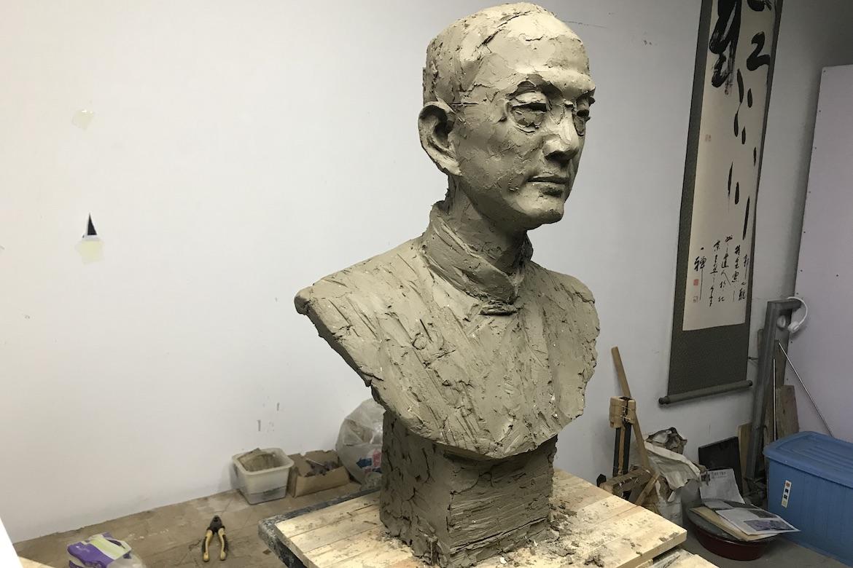 万博体育彩票官网app人像定制 陆志韦先生泥塑制作过程